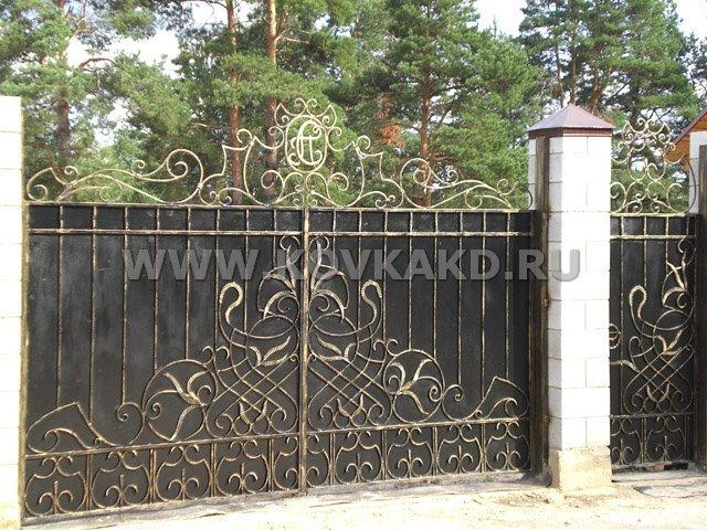 От Ковка КД кованые ворота, загородный дом